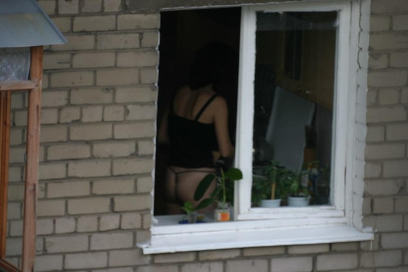 0. автор. ExSema. Подглядываем в чужие окна (13 фото) .