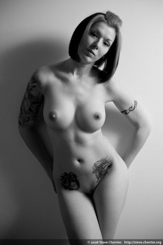 змий голые полные бабы с татуировками только