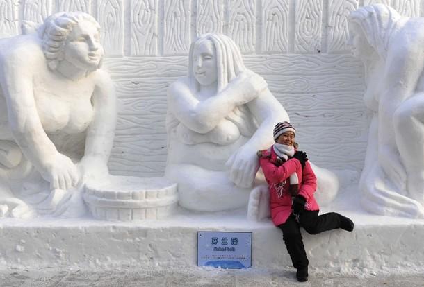 25-й Фестиваль скульптур из снега и льда в Харбине (10 фото)