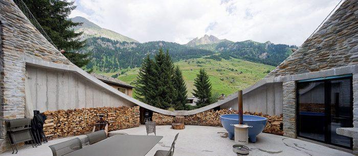 Дом в холме (25 фото)