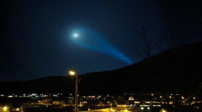 Таинственная спираль в небе норвегии (34 фото+видео))