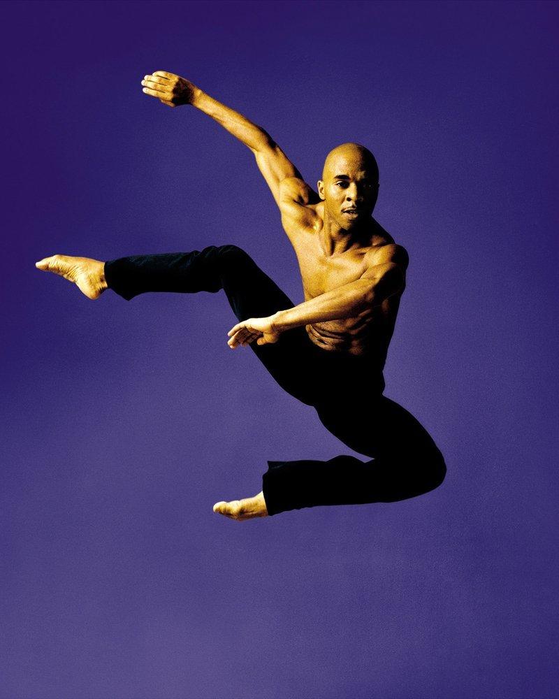 отношение фото парень танцует пожелания коллегам