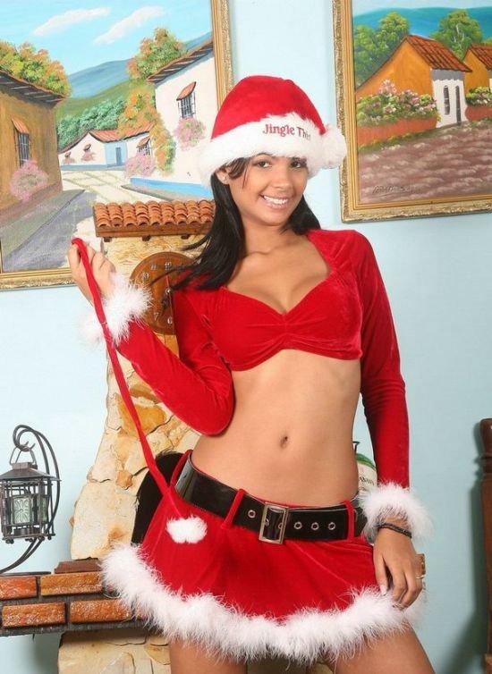 Рождественские сексуальные девчонки (183 фото)