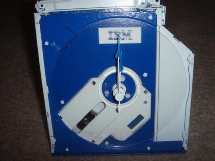 Что сделать со сломанным CD-приводом? (7 фото)