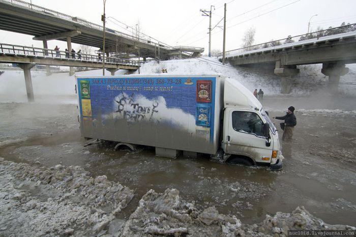 Зимние потопы в Екатеринбурге (24 фото)
