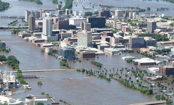 Наводнение - Сидар-Рапидс, штат Айова (июнь 2008)