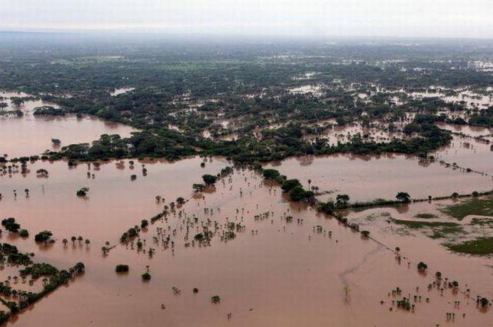 Наводнение (тропический шторм Агата) - Гватемала (май 2010)