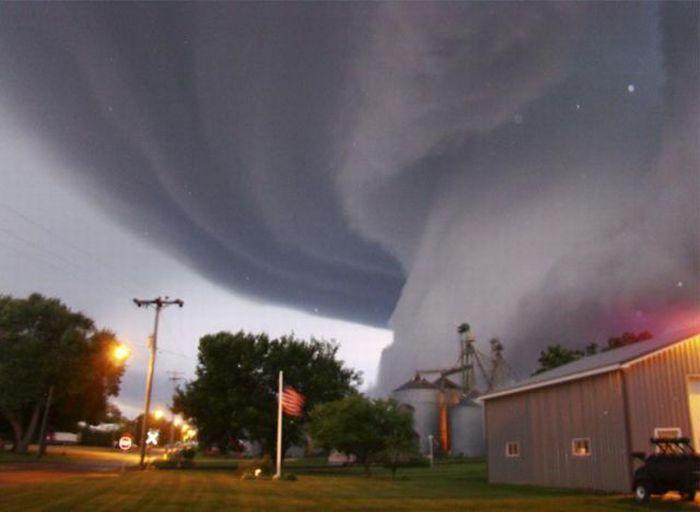 Торнадо - Айова, США (июнь 2008)
