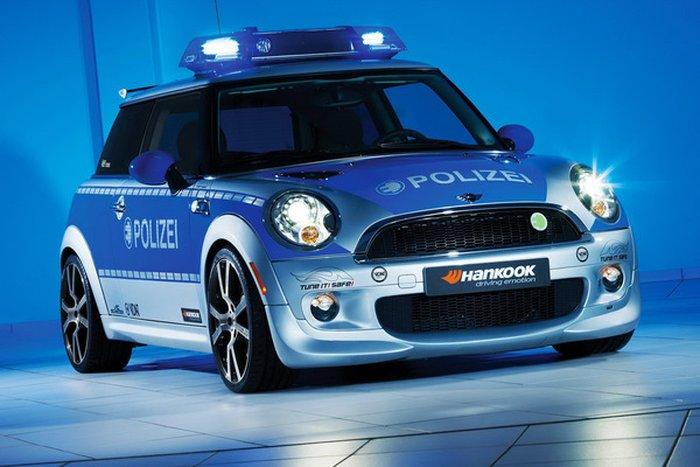 Почти робокоп: электрический MINI для полиции! (5 фото+видео)