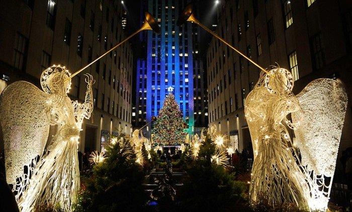 Церемония зажжения рождественской елки на Рокфеллер-плаза (13 фото+текст)