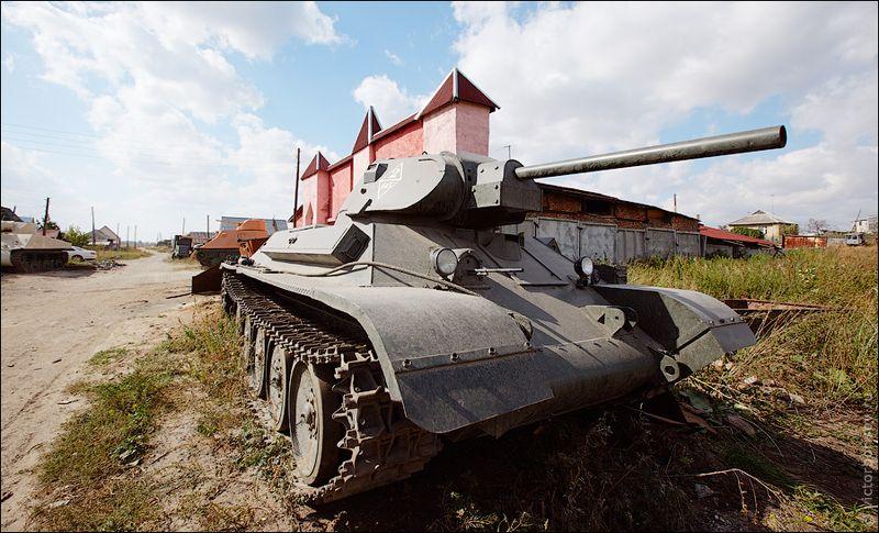 Как рассказывает Вячеслав, на изготовление одного танка уходит от 6 месяцев до года.