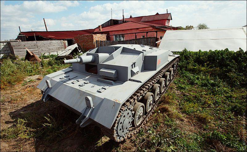 В этом году конструктор заключил контракт с киностудией «Мосфильм», будет строить танки для фильма с рабочим названием «Сталинград».