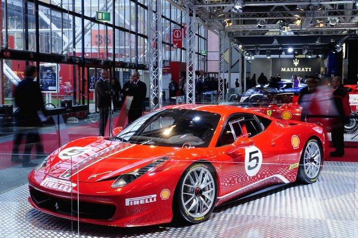 В Маранелло представили гоночную версию суперкара Ferrari 458 Italia (27 фото)