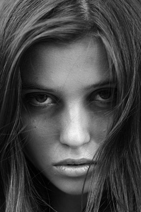 красивые женские фигуры черно-белые фото