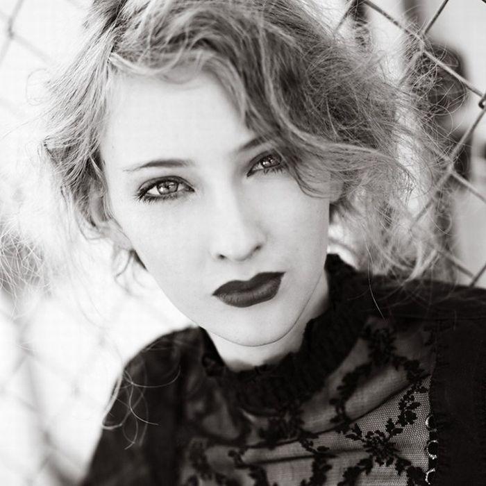 Очень красивые девушки черно белые фото