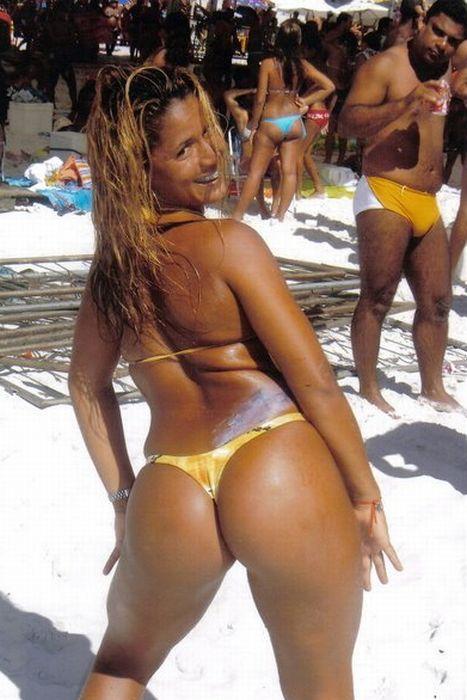 Девушки с пляжей Бразилии (34 фото)