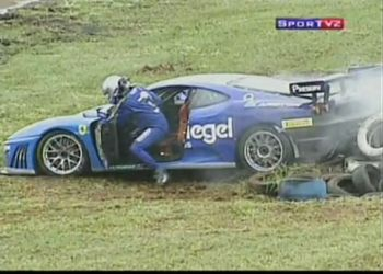 Гонщик сам вытолкал Ferrari F430 на GT3 Brasil Championship