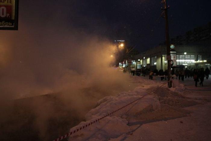В Питере прорвало трубу (28 фото)