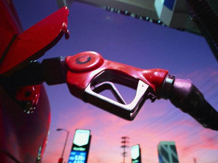 Происхождение паленого бензина! (текст)