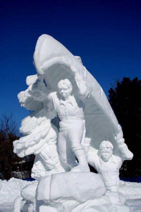 Скульптуры из снега (53 фото)