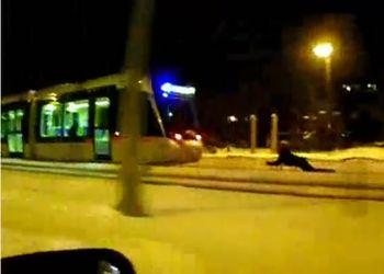 На санках за трамваем во Франции