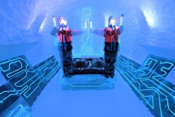 Гостиница из льда в стиле фильма Трон: Наследие (18 фото)