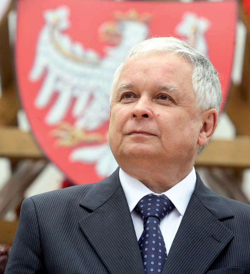 10 апреля в авиакатастрофе погиб 60-летний президент Польши Лех Качиньский.