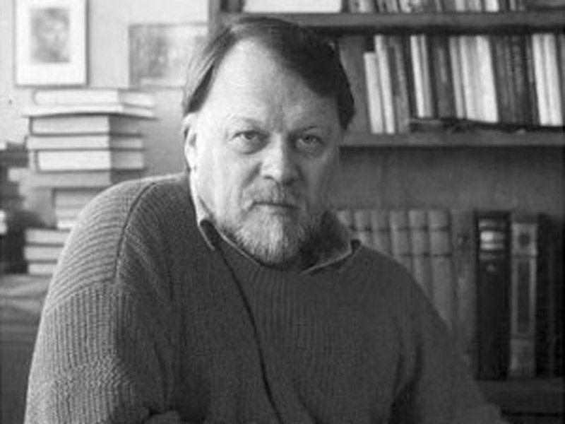 1 октября от сердечного приступа умер 77-летний Михаил Михайлович Рощин – прозаик, драматург и сценарист из России.