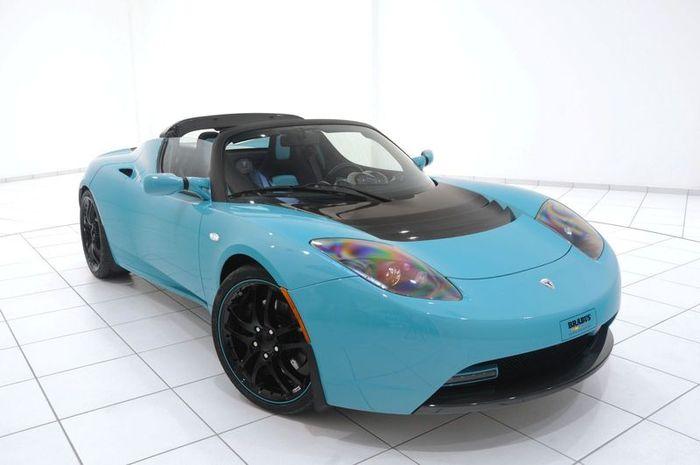 Brabus прокачал Tesla Roadster Sport (20 фото)