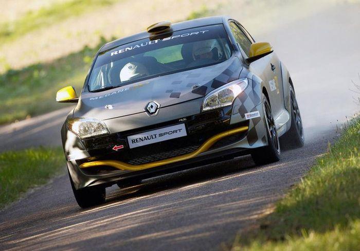 Megane RS N4 - новый ралийный авто от Renault (6 фото)