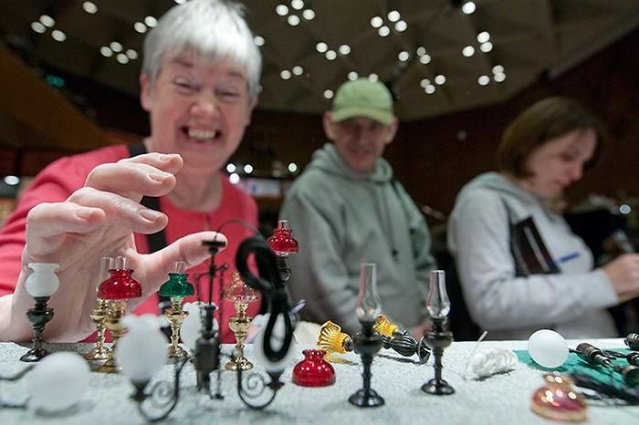 Кенсингтонский фестиваль кукольных домиков (16 фото)