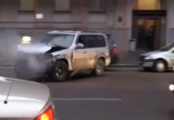 Джип протаранил 16 авто на Садовом кольце (10 фото + видео)