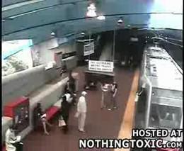 Столкновение поездов в метро