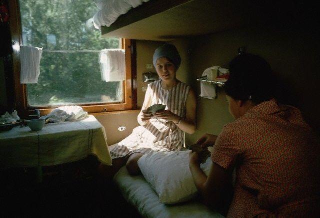 В купе поезда. Транссибирская магистраль, 1966