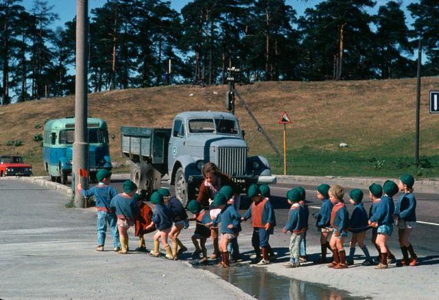 Детский сад на прогулке. Эстония, 1966