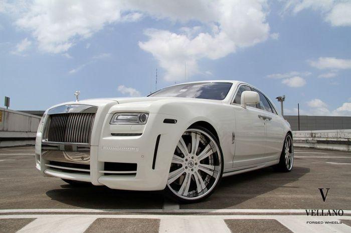 Rolls-Royce Ghost от Mansory с дисками от Vellano (7 фото)