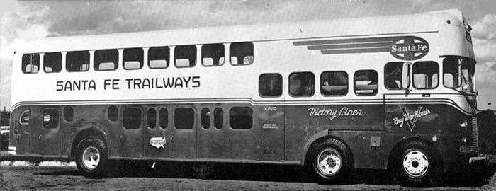 Обычный двухэтажный ископаемый автобус? (2 фото)