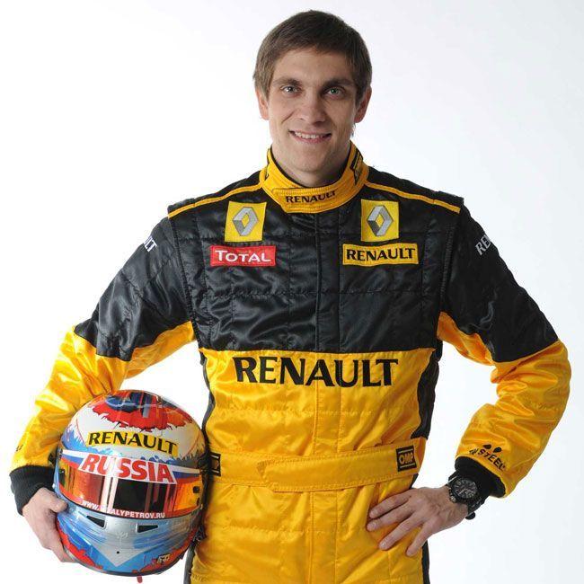 Виталий Петров останется в Renault (10 фото)