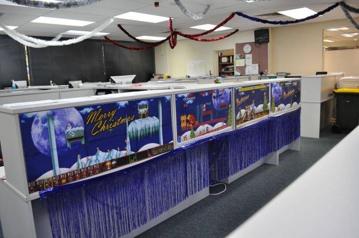 Программисты украсили офис (18 фото)