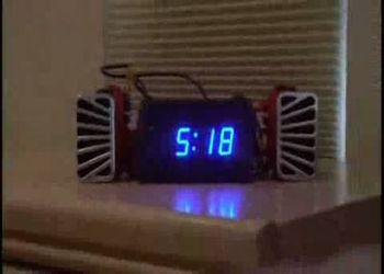 Часы с автомобильным клаксоном