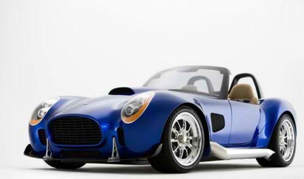 Iconic AC Roadster — 825 л.с.
