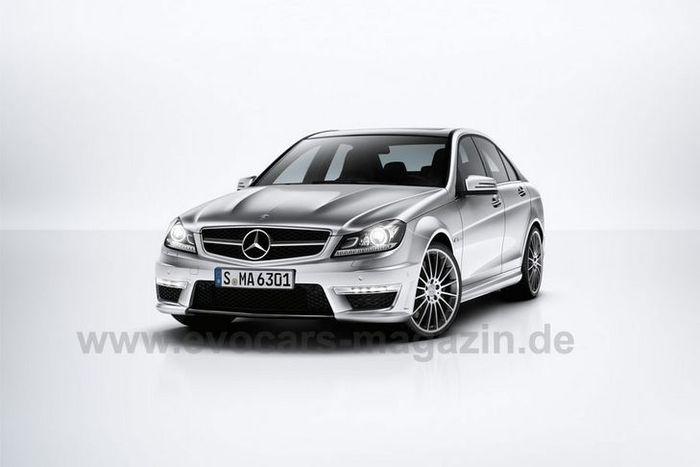 Первые фото обновленного Mercedes-Benz C-Class — С63 AMG (2 фото)