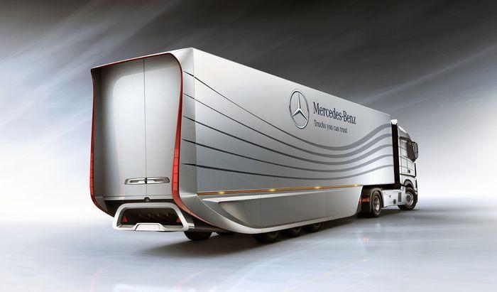 Новейшая разработка от Mercedes-Benz - фура, экономящая топливо (4 фото)
