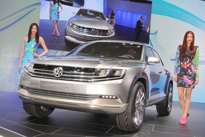 Компания Volkswagen показала новый Cross Coupe в Токио (57 фото)