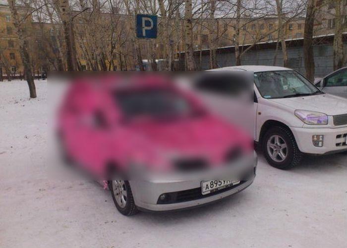 Выражение чувств любви на автомобиле (2 фото)