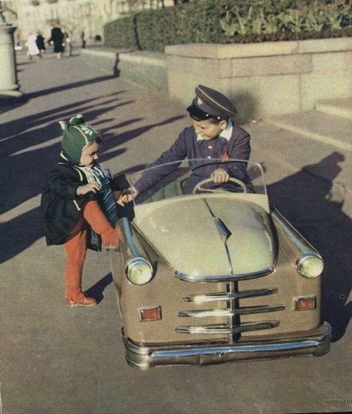Машинки советского детства (9 фото)