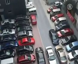 Самая плотная парковка в мире