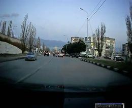 Водитель на Land Cruiser Prado сбил пешеходов