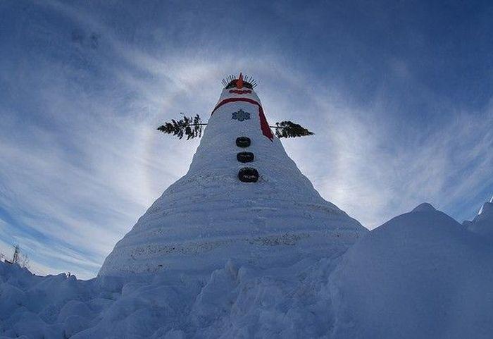 «Olympia SnowWoman» – самый большой снеговик в мире (10 фото)