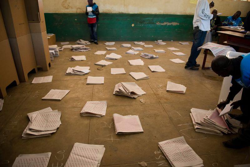 2769 Выборы в Египте и Конго